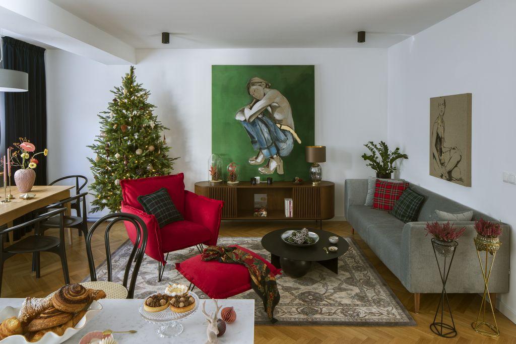 fotel hugo w świątecznym wnętrzu