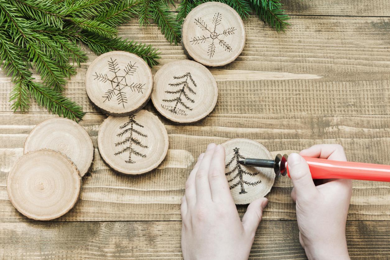 własnoręcznie wykonywane dekoracje świąteczne z drewna