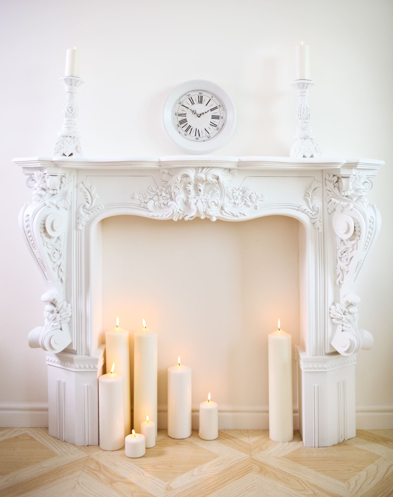 dekoracja w kształcie kominka
