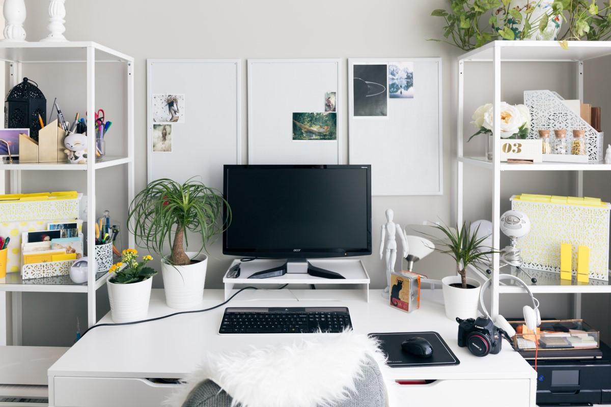 biurko do pracy w domu